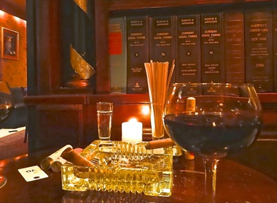 NYC Cigar Bars on the Upper East Side Manhattan | nyc cigar bars upper east side manhattan lexington bar & books hudson bar & books beekman bar & books cigar bars manhattan UES nyc