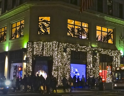 Shopping the Lord & Taylor Department Store Midtown Manhattan 5th Avenue | lord & taylor photos shopping 5th avenue midtown manhattan holiday shopping nyc lord & taylor before closing floors in dec 2017