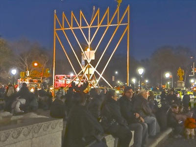 holiday menorah lighting grand army square manhattan photo holiday events menorah lightings manhattan things to do nyc